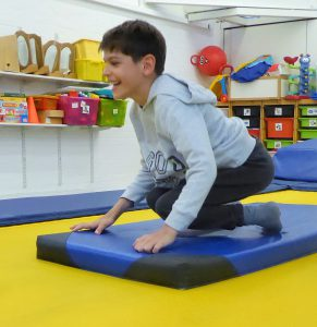 Santi bouncing